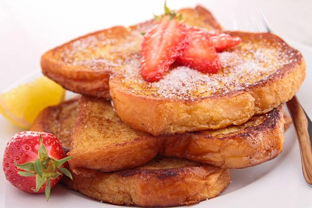 desserts au barbecue pain perdu aux fraises