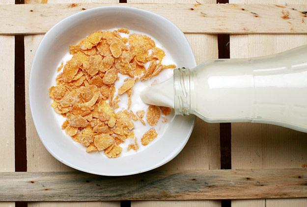 céréales petit déjeuner corn flakes