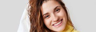 Shampoing naturel, 'no shampoo' : se laver les cheveux au naturel
