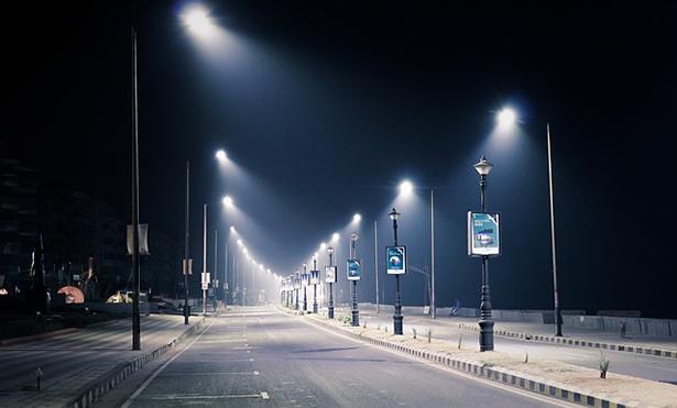 éclairage public, lampadaires, lampes à sodium, lampe à LED
