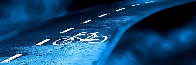 Pologne: une piste cyclable qui s'illumine toute seule la nuit