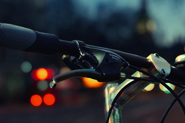 vélo, nuit, danger, piste cyclable