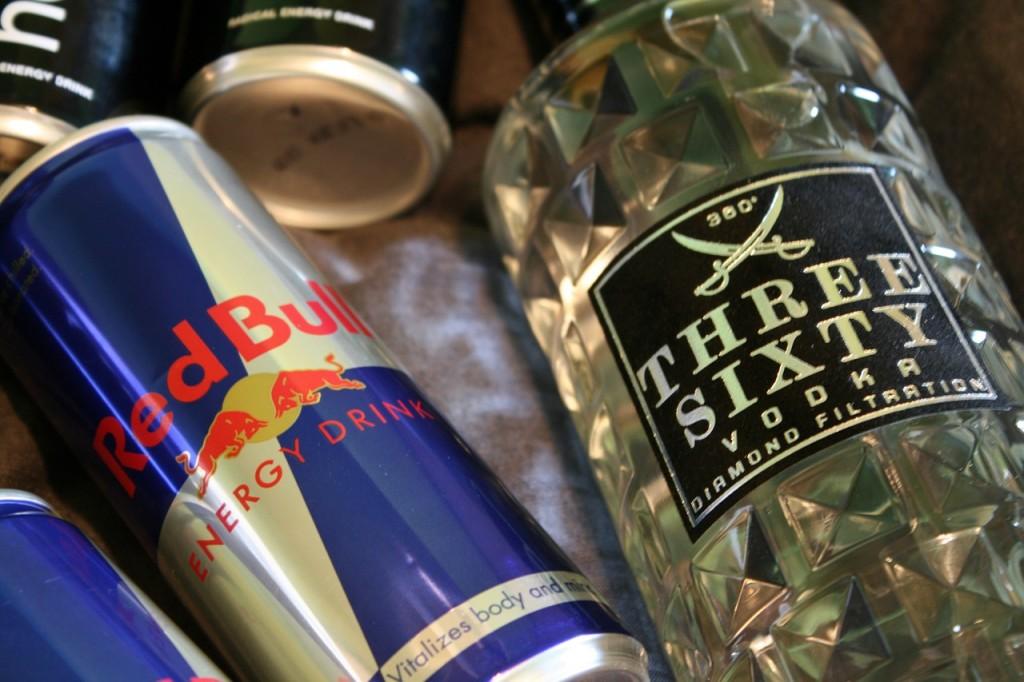 boissons énergisantes, alcool, cocktail dangereux