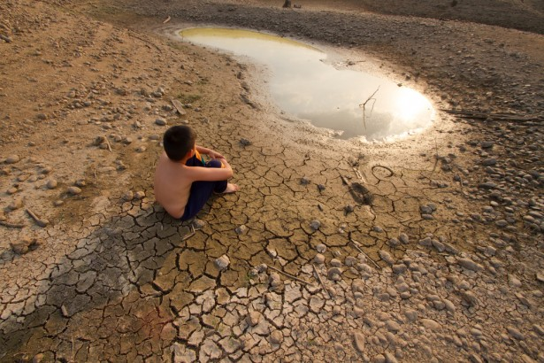 Pour plus de solidarité climatique entre les États © Piyaset Shutterstock