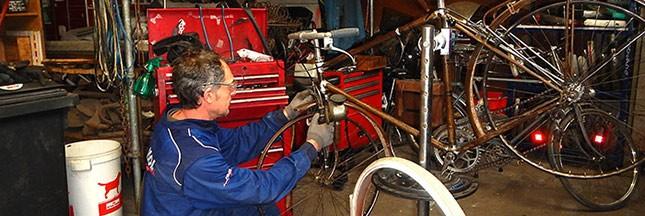 Le garage où c'est vous qui réparez votre voiture