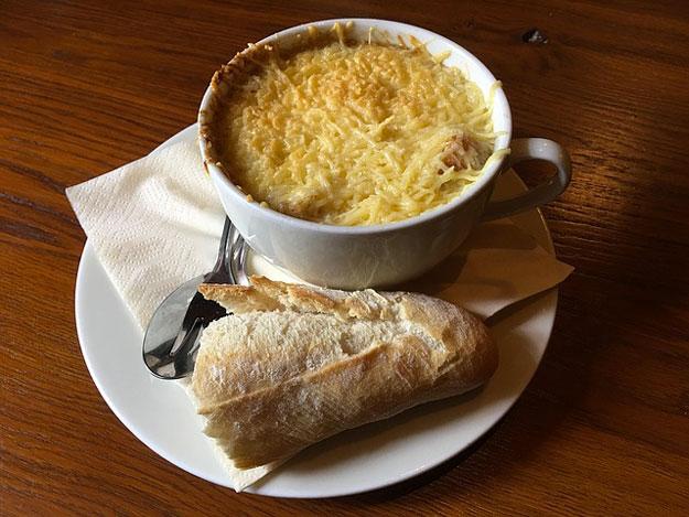 recette-soupe-gratinee-oignon