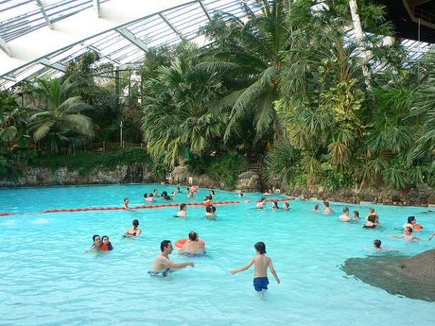 Suite et fin dans l 39 affaire du center parcs de roybon for Piscine center parc sarrebourg