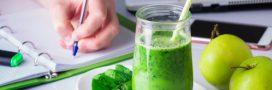 Jus vert du matin détox à la spiruline