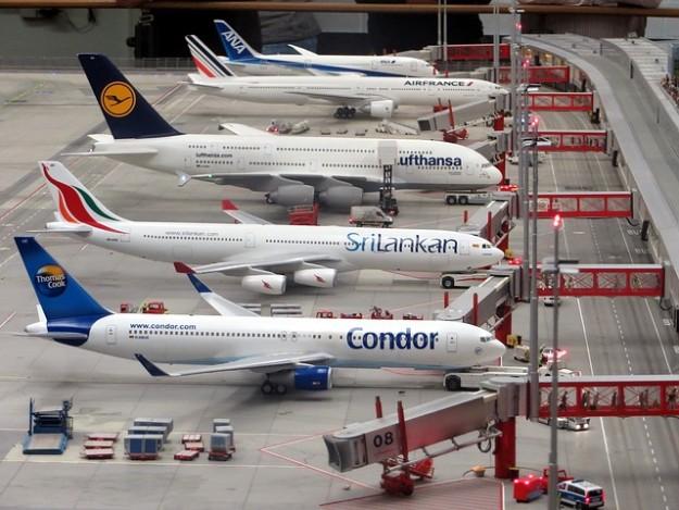moteurs d'avion, maquelle, avions