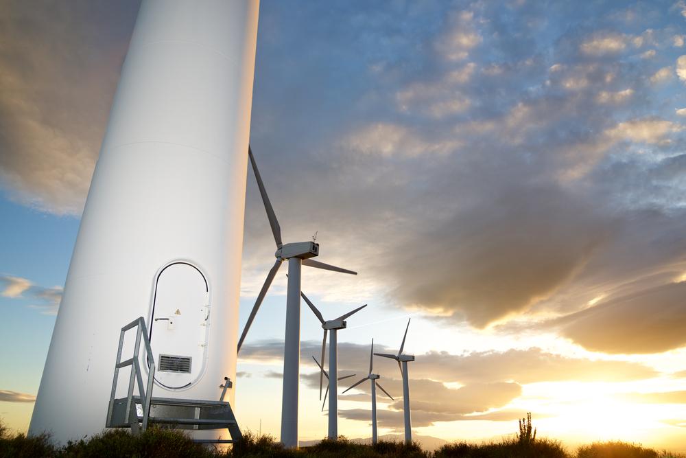 Des éoliennes  © pedrosala Shutterstock