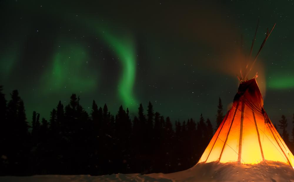 Aurore boréale au Canada © BillieBonsor Shutterstock