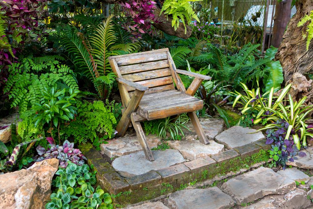 Chaises jardin bois conceptions de maison for Chaise de jardin bois