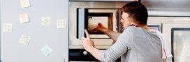Comment nettoyer son four à micro-ondes sans polluer