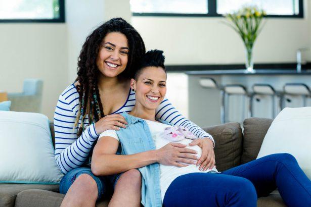 Couple lesbienne et bebe-4680