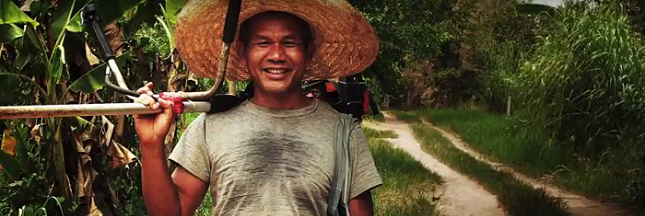 Une ferme bio en Thaïlande forme locaux et volontaires à l'agriculture de demain [vidéo]