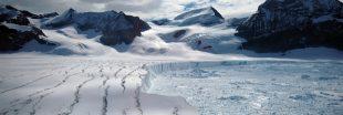 L'un des plus grands icebergs de mémoire humaine se détache de l'Antarctique