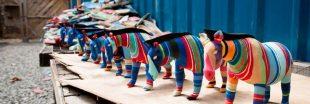 Au Kenya, des sculptures colorées pour lutter contre la pollution des océans