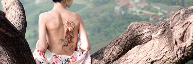 L'encre des tatouages colore aussi les ganglions !