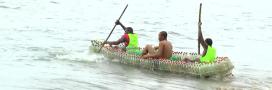 Au Cameroun, un jeune ingénieur construit des pirogues… en bouteilles recyclées