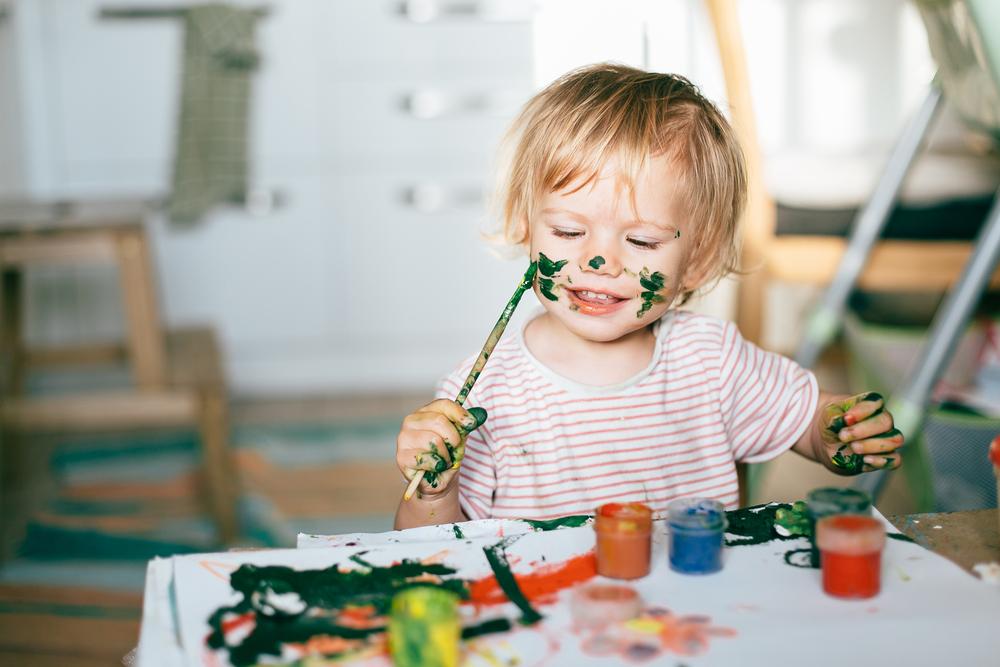 Des peintures aux doigts pour enfants bien trop toxiques