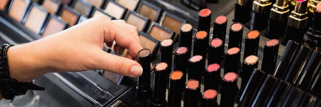 Les dangers des testeurs dans les boutiques de cosmétiques