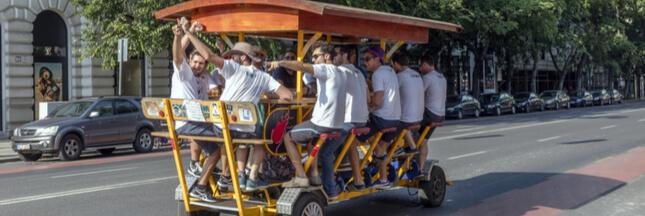 Les bars à bière mobiles interdits à Amsterdam