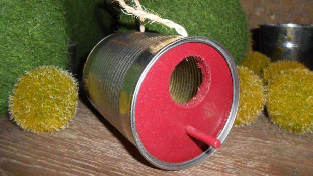 nichoir pour oiseaux: un abri DIY