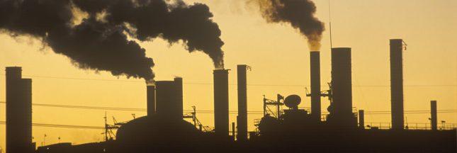 Dans les Bouches-du-Rhône, une usine de papier pollue en toute impunité