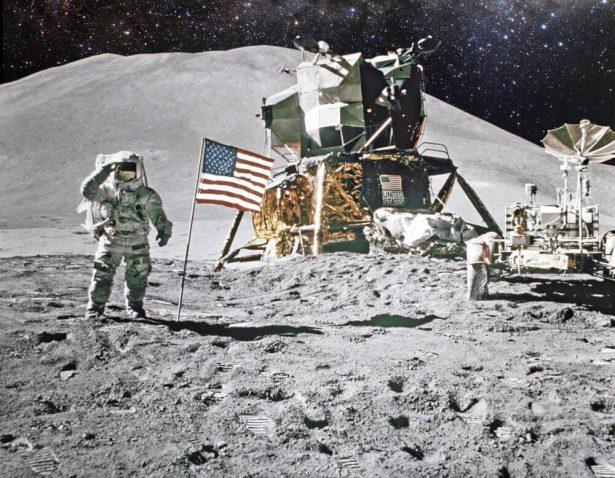 déchets sur la lune