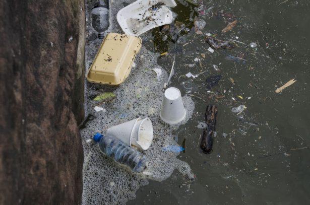 pollution emballages plastiques