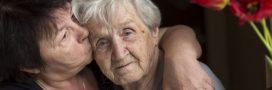 Le Comité d'éthique dénonce la mise à l'écart des personnes âgées