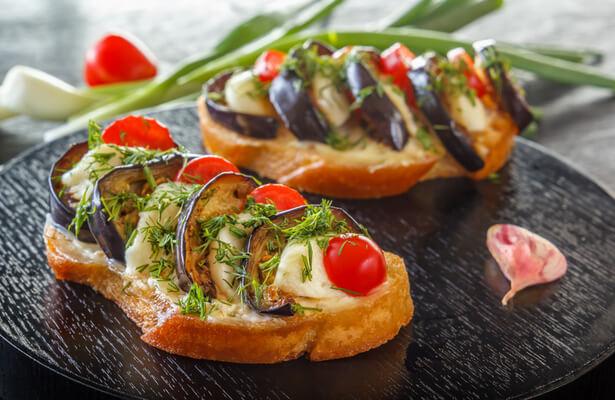 Bruschetta aubergine