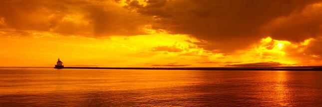 Pourquoi l'eau devient orange sur les côtes de Bretagne