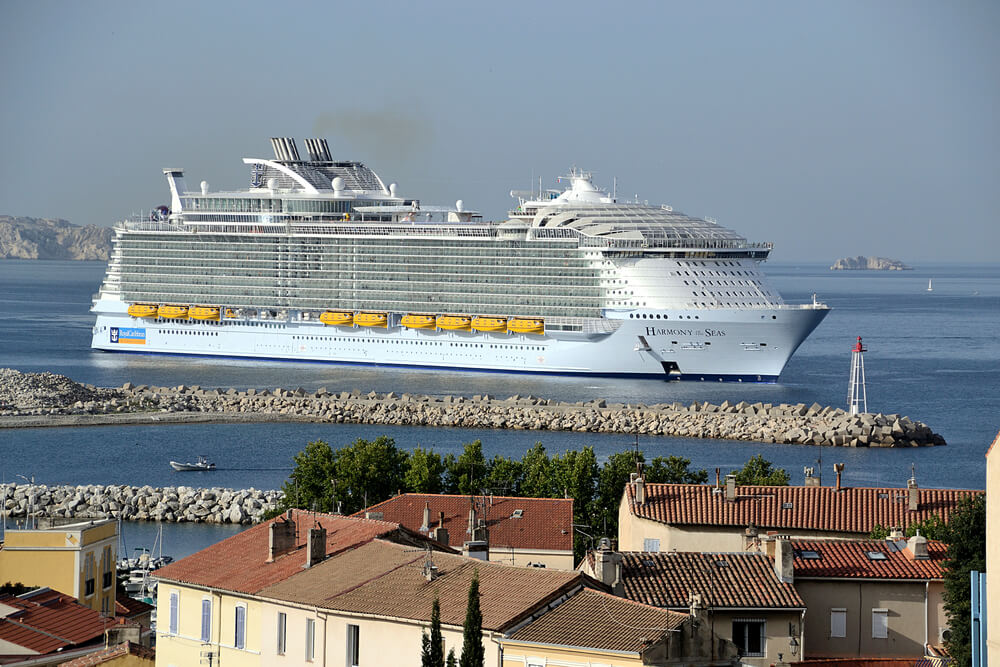 navire pollution marseille
