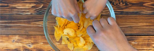 Pollution : un célèbre fabricant de chips pointé du doigt au Royaume-Uni