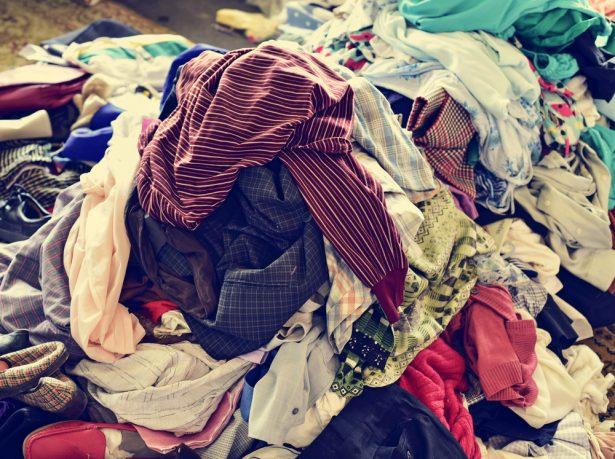 vêtements invendus