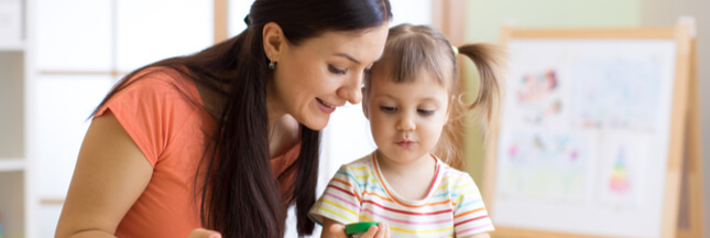 Sélection jeu : J'explore les couleurs avec Montessori