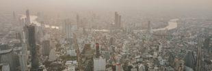 Une pluie artificielle pour chasser la pollution de Bangkok