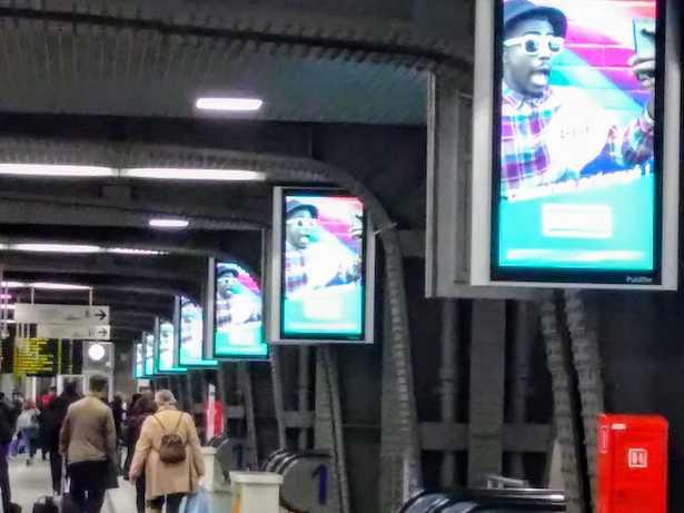 panneaux publicitaires numériques
