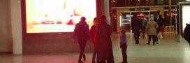Sondage – Devrait-on supprimer les panneaux publicitaires numériques?