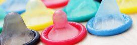 Un préservatif à ouvrir à 4 mains pour s'assurer du consentement des 2 parties!