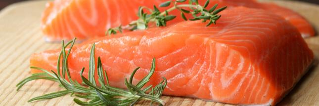 Trouvera-t-on bientôt du saumon transgénique dans nos assiettes ?
