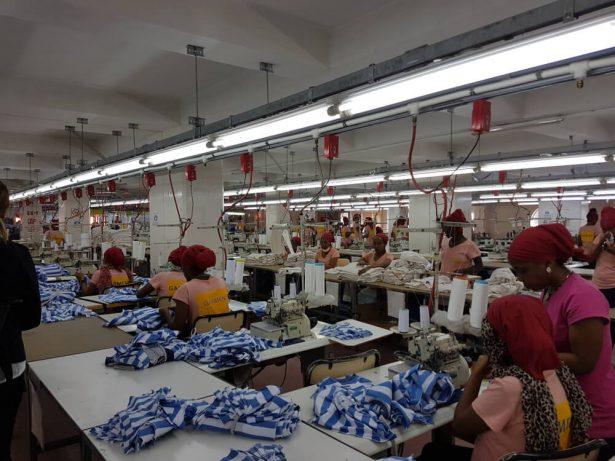 Αποτέλεσμα εικόνας για Ethiopie : payés 23 euros par mois pour fabriquer des vêtements Calvin Klein ou H&M