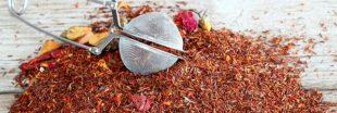 Préparez l'été en beauté avec le thé rouge (ou rooibos) !