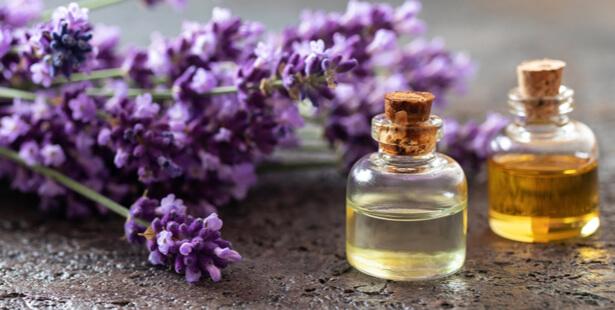 trousse aromathérapie huile essentielle lavande