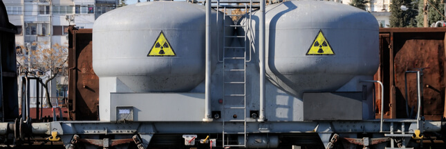 Greenpeace interdit par la justice d'approcher les convois nucléaire... Et quoi encore ?