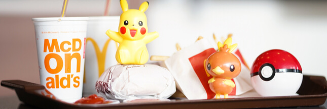 Deux petites filles s'attaquent à Mcdonald's et Burger King