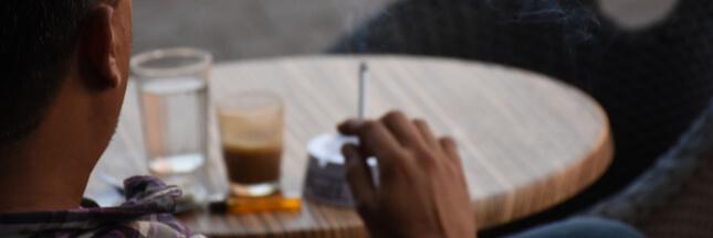 Des terrasses sans fumée de cigarettes, pour ou contre ?