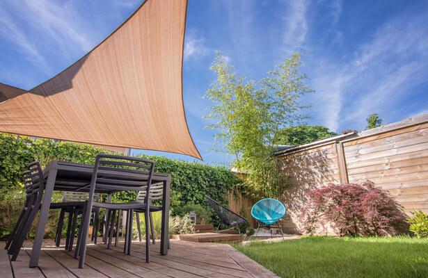 voile: bien se protéger du soleil sur sa terrasse