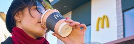 McDo – Clap de fin pour les pailles et couvercles en plastique
